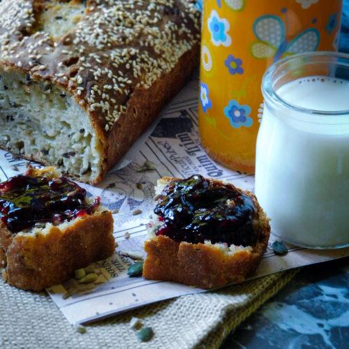 Pane in cassetta ai cereali senza impasto