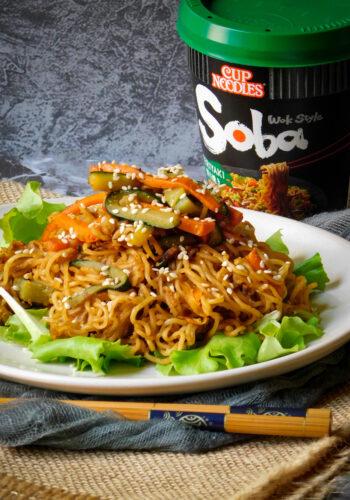 Noodle Soba Teriyaki con verdure